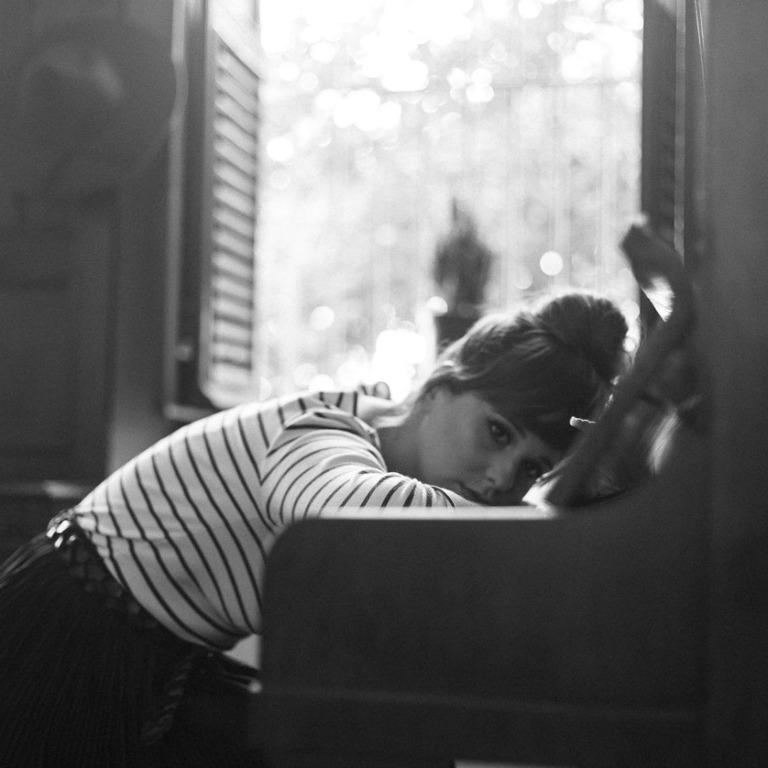 sad woman piano 768